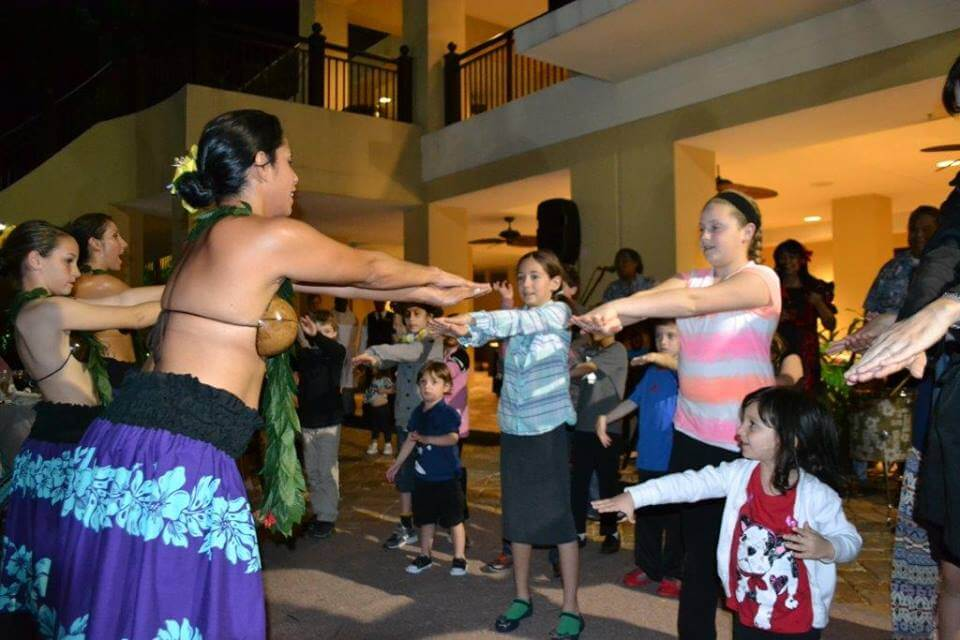 Kids-hula-dance-lesson